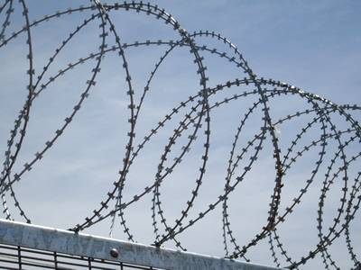 Concertina razor wire makes 358 mesh safer.